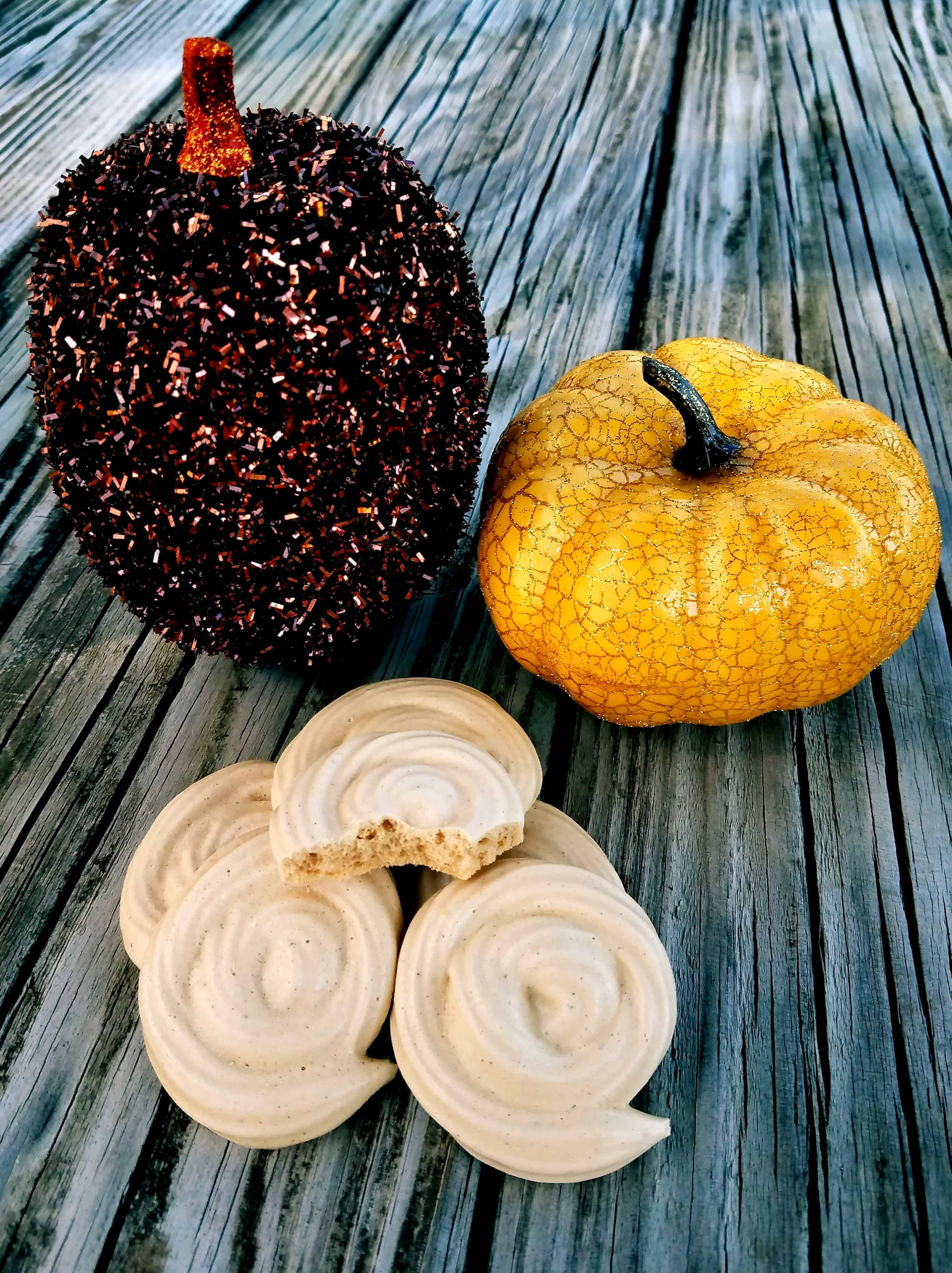 Pumpkin Pie Spiced Meringue Cookies